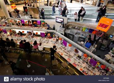 yo-sushi-restaurant-dundrum-shopping-centre-dublin-ireland-b7f2bg